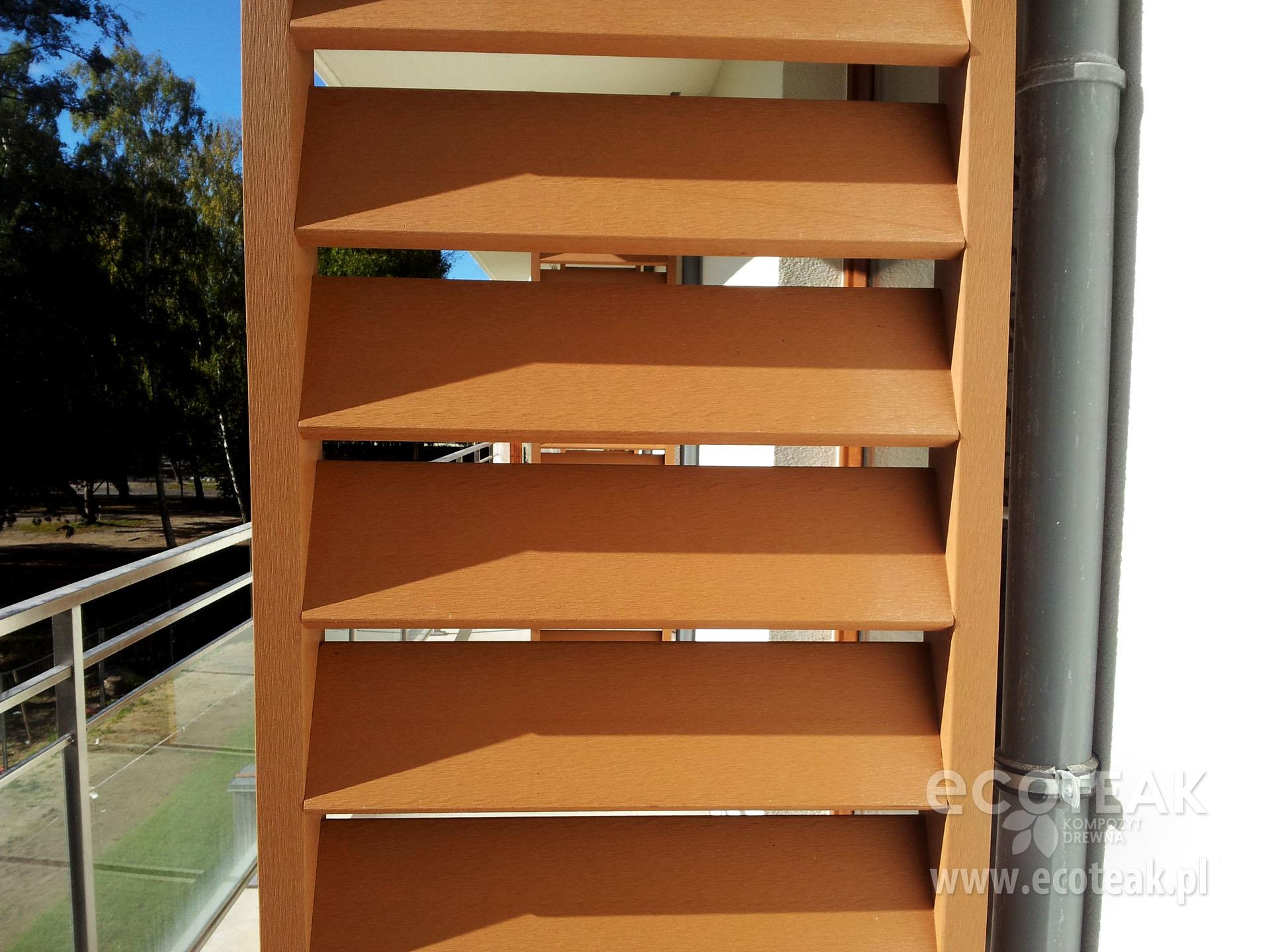 Przegrody balkonowe z kompozytów drewna EcoTeak
